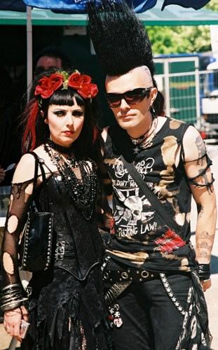goth couple 20