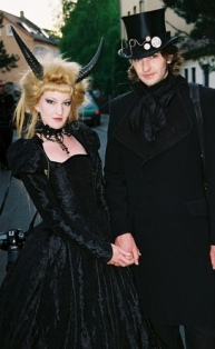 goth couple 25