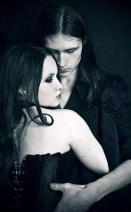 goth couple 29