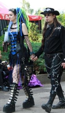 goth couple 37