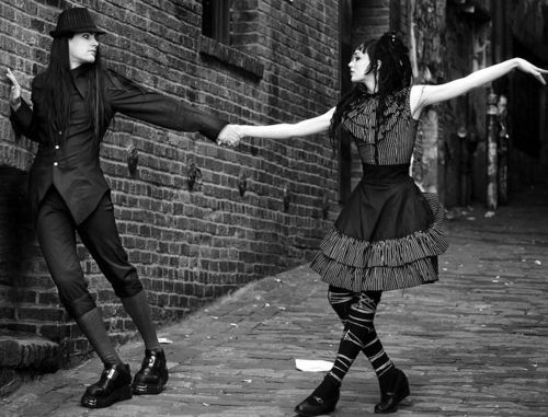 goth couple 5