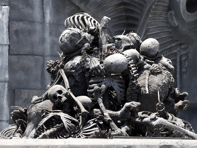 bone-pile-3614_640