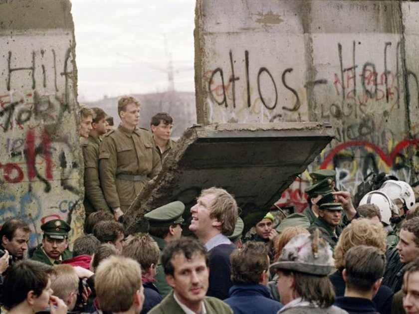 25-BerlinWall-AFPGetty-v2