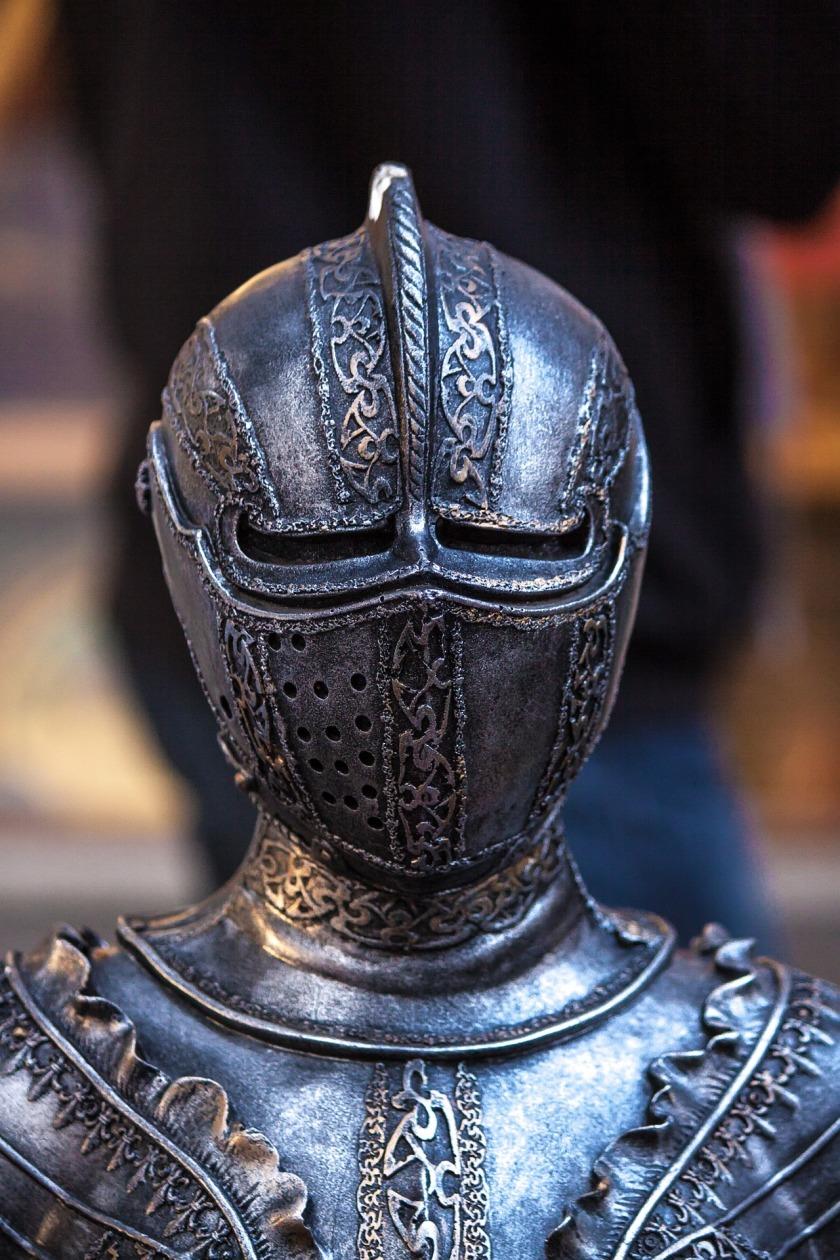knight-1283910_1920
