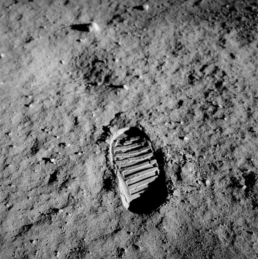 footprint-60614_1280